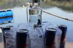 BAR loď vodka redbull