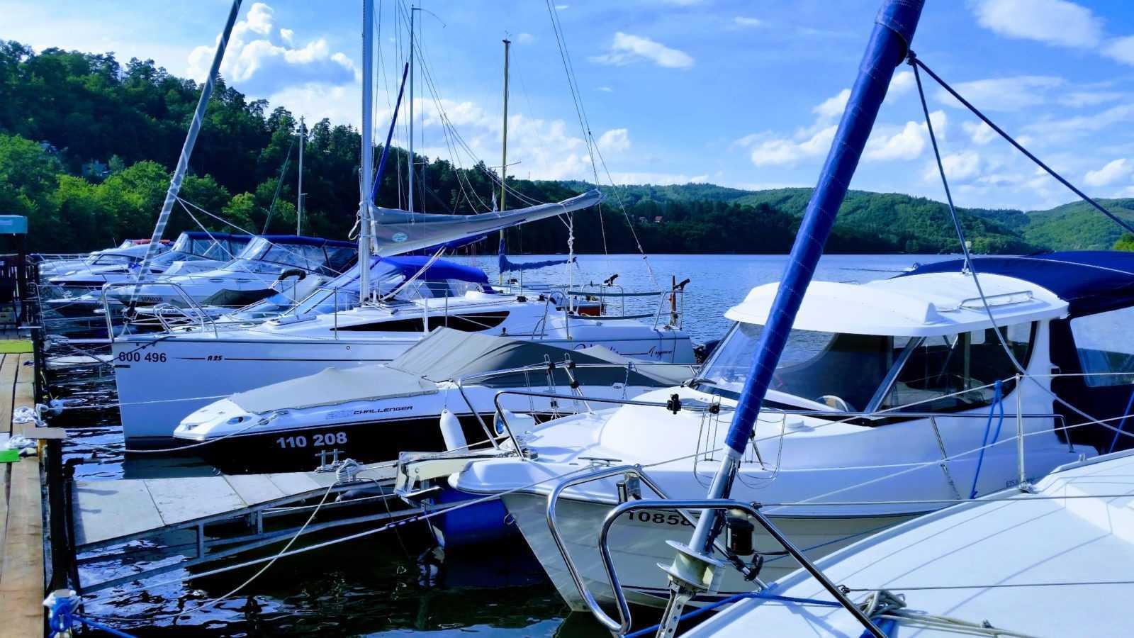 Kotvení lodí, vodních skůtrů Slapy Marine